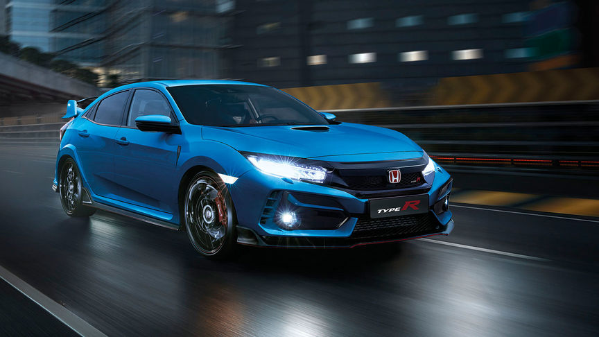Front Facing Three Quarter Honda Civic Type R GT on Track