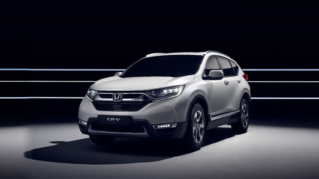 Front side view of Honda CR-V advanced hybrid powertrain.
