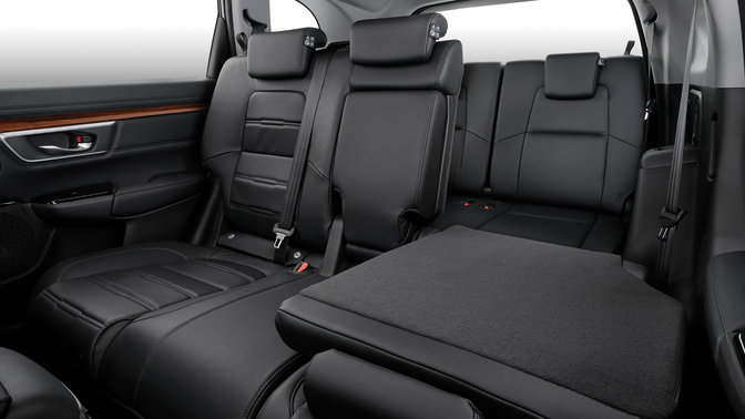 Side view of Honda CR-V folding and rear extra seats.