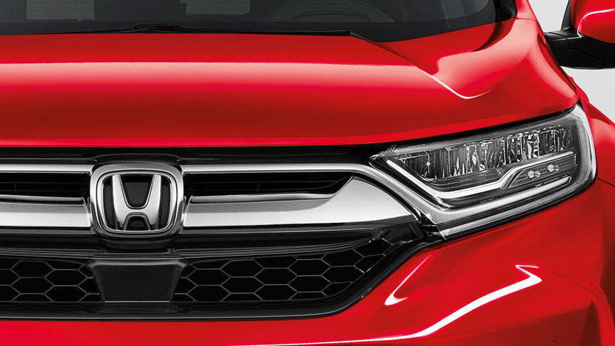 Close up of Honda CR-V active shutter grille system.