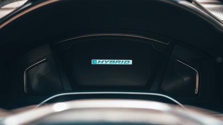 Fermez-vous vers le haut du système de groupe motopropulseur hybride de Honda CR-V.