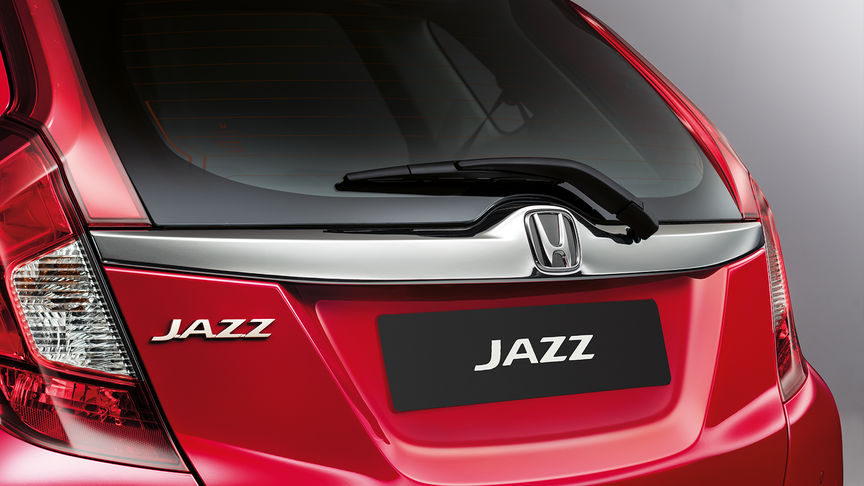 Rear three-quarter view of the Honda Jazz boot.
