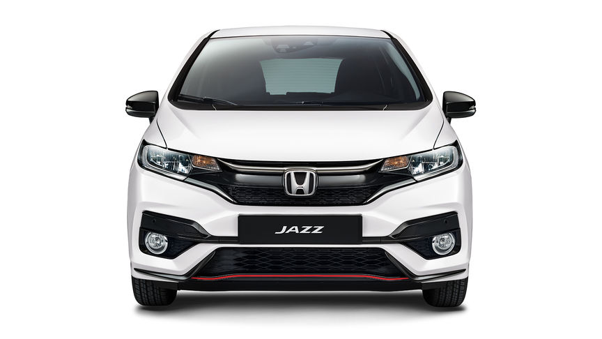 Front facing Honda Jazz Dynamic.