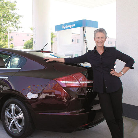 Jamie Lee Curtis and her Honda Clarity FCX.