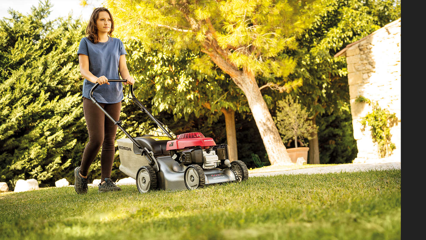IZY. Lawnmowers. Overview. Overview · Specifications