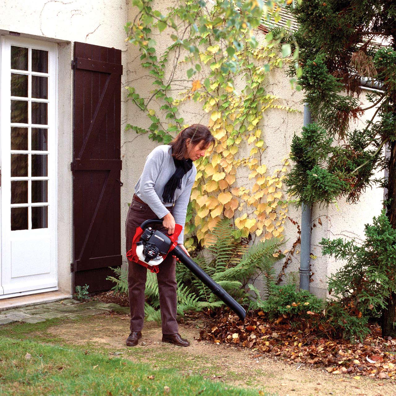 Petrol leaf blowers cordless garden tools honda uk leaf blower fast and furious publicscrutiny Choice Image