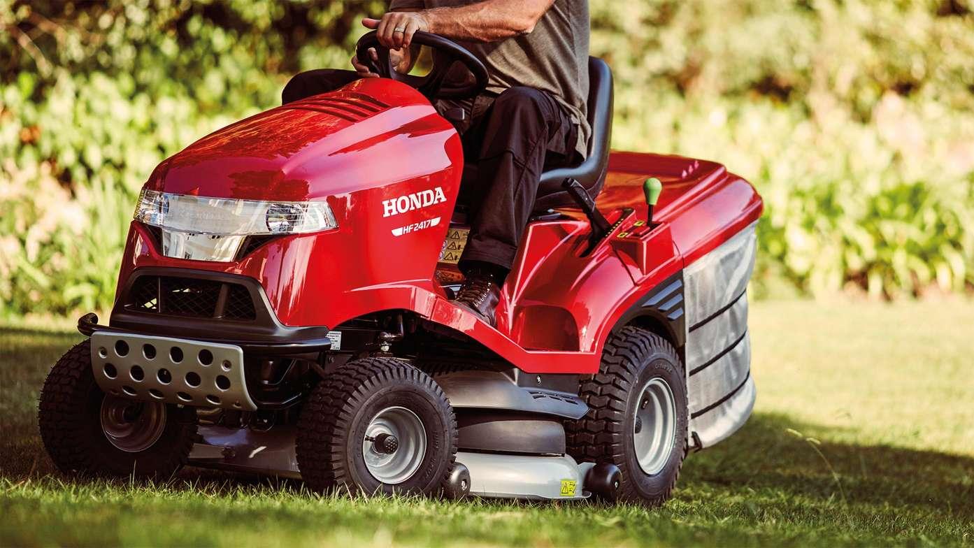 Premium Lawn Tractors | Ride On Mowers | Honda UK