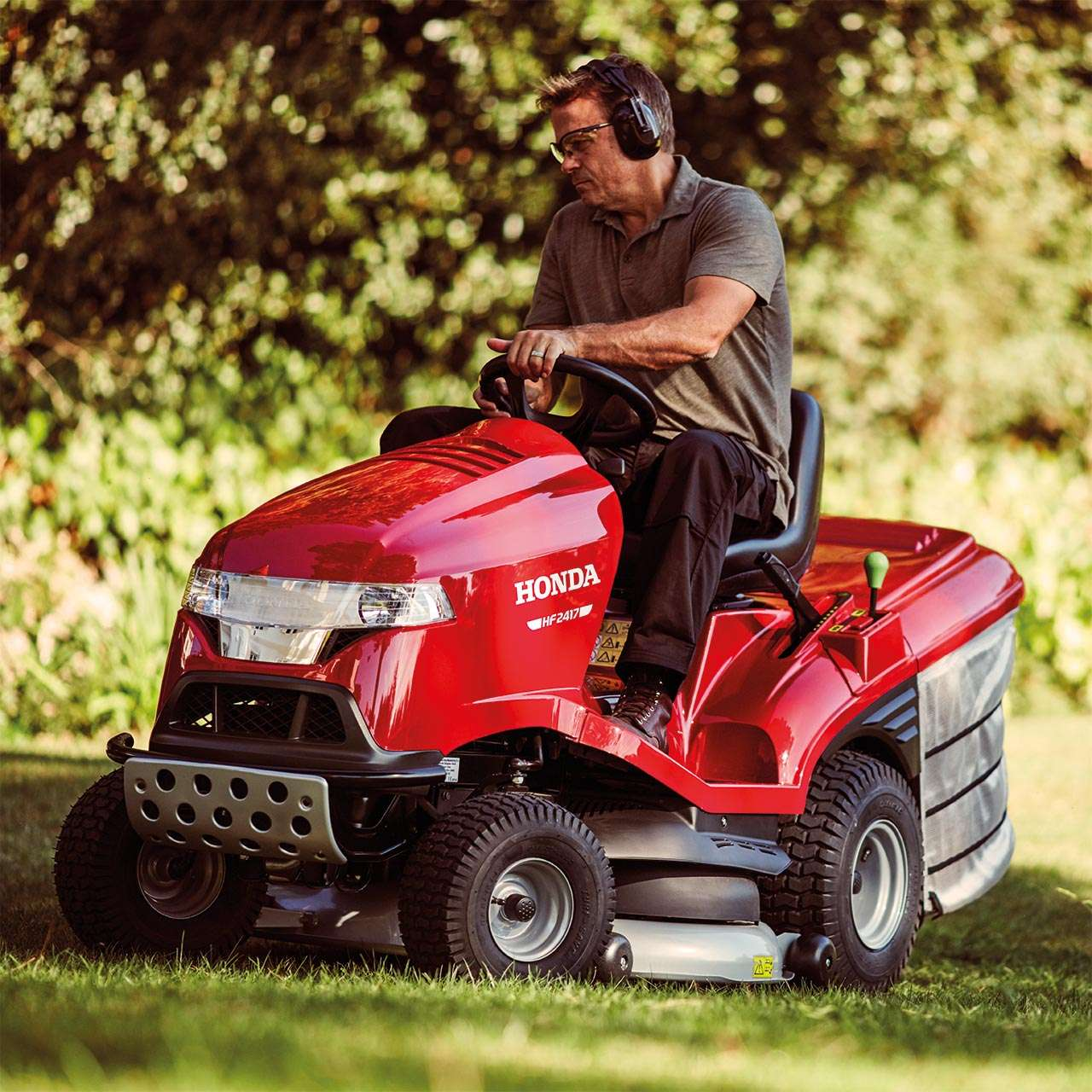 With outstanding V-Twin engines, Versamow™ selective mulching, and tough  bumper protection, our Premium ride-on mowers are built to last and take on  any ...