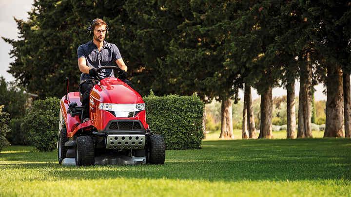 Lawn & Garden Equipment | Gardening Tools | Honda UK