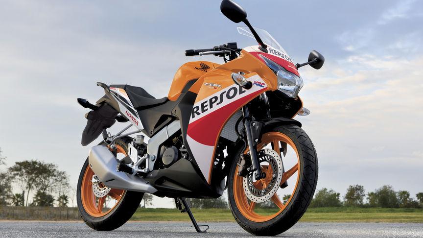 Honda CBR125R | Race Inspired Super Sport Bike | Honda UK