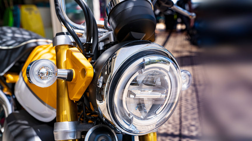 Monkey 125cc, close up of headlight
