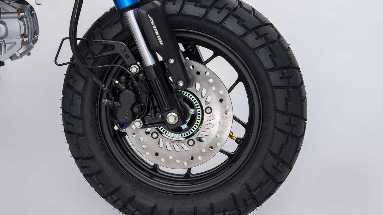 Honda - Monkey - IMU-controlled ABS braking
