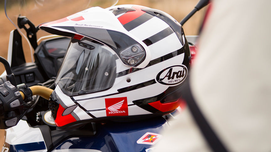 6d487214f0e20 accessories – africa twin. Download Image 864 X 486. casco arai y moto honda  ...