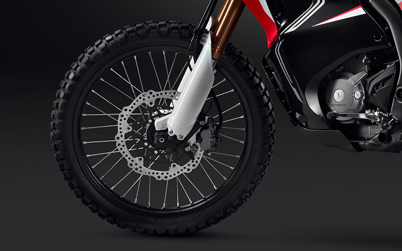 CRF250 Rally zoom on front wheel