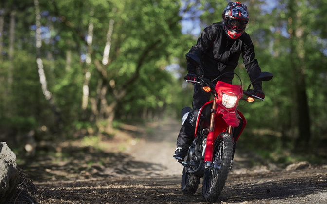CRF250L outdoor with rider