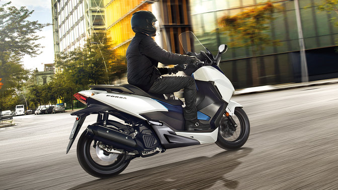forza 125cc high performance 125cc scooter honda uk. Black Bedroom Furniture Sets. Home Design Ideas