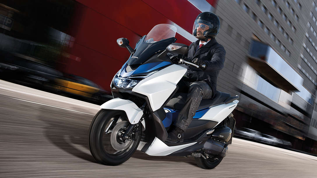 forza 125 fast stylish scooters honda uk. Black Bedroom Furniture Sets. Home Design Ideas
