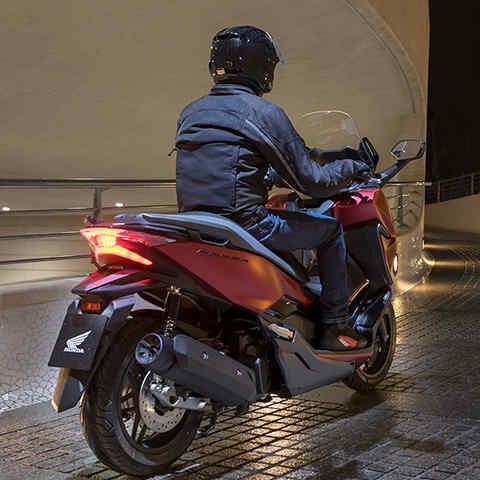 Forza 125   High Performance 125cc Scooter   Honda UK