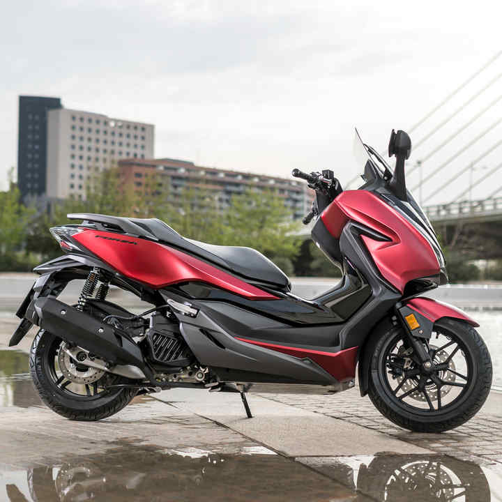 Scooter & Moped Range | Stylish & Affordable Scooters | Honda UK