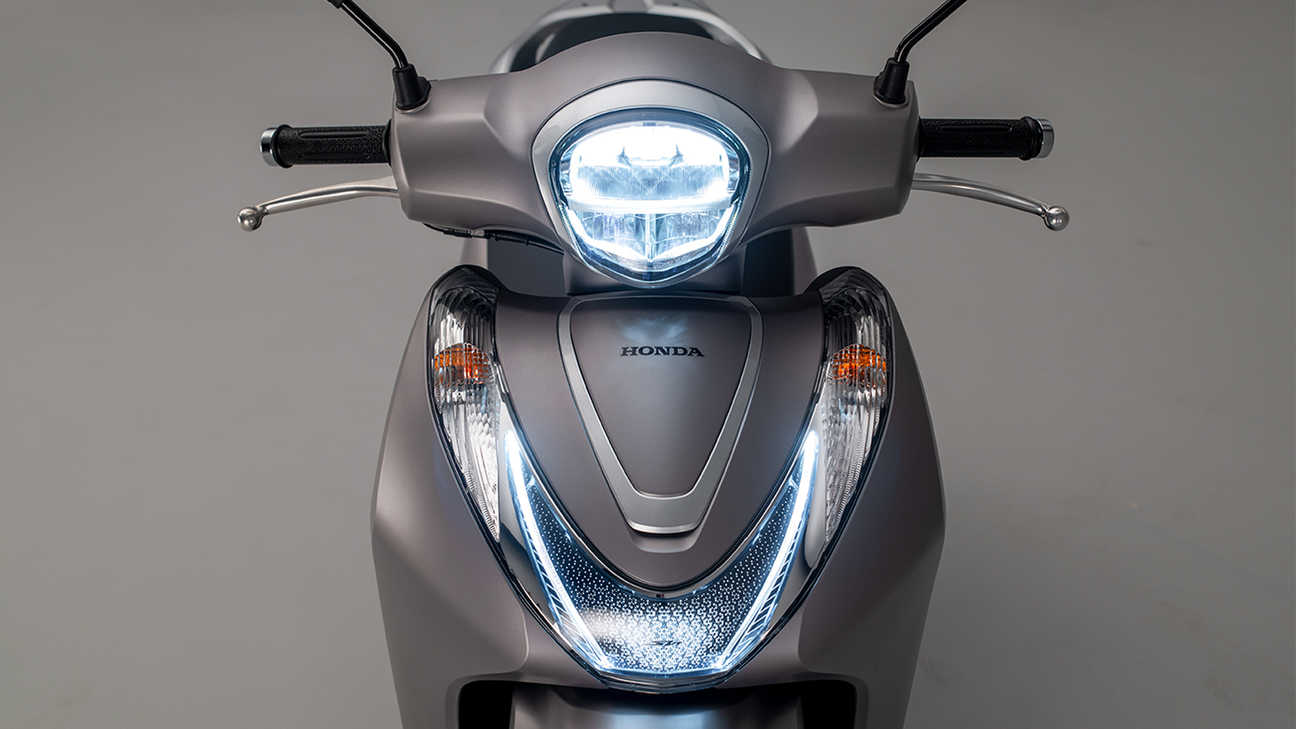 SH Mode 125, All-new styling, with increased storage and LED lighting