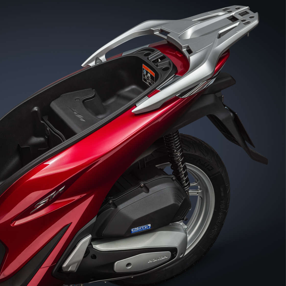 Honda-SH125i, zoom on seat storage