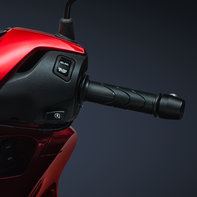 Honda-SH125i, zoom on right twist grip