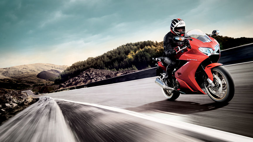 Honda, VFR800F, Tourer, Victory Red, Location, Dynamic