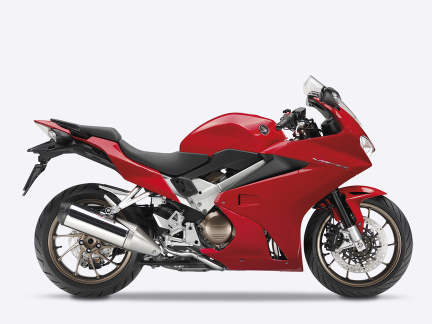 Honda-VFR800F-Tourer-Studio-Victory Red-Side