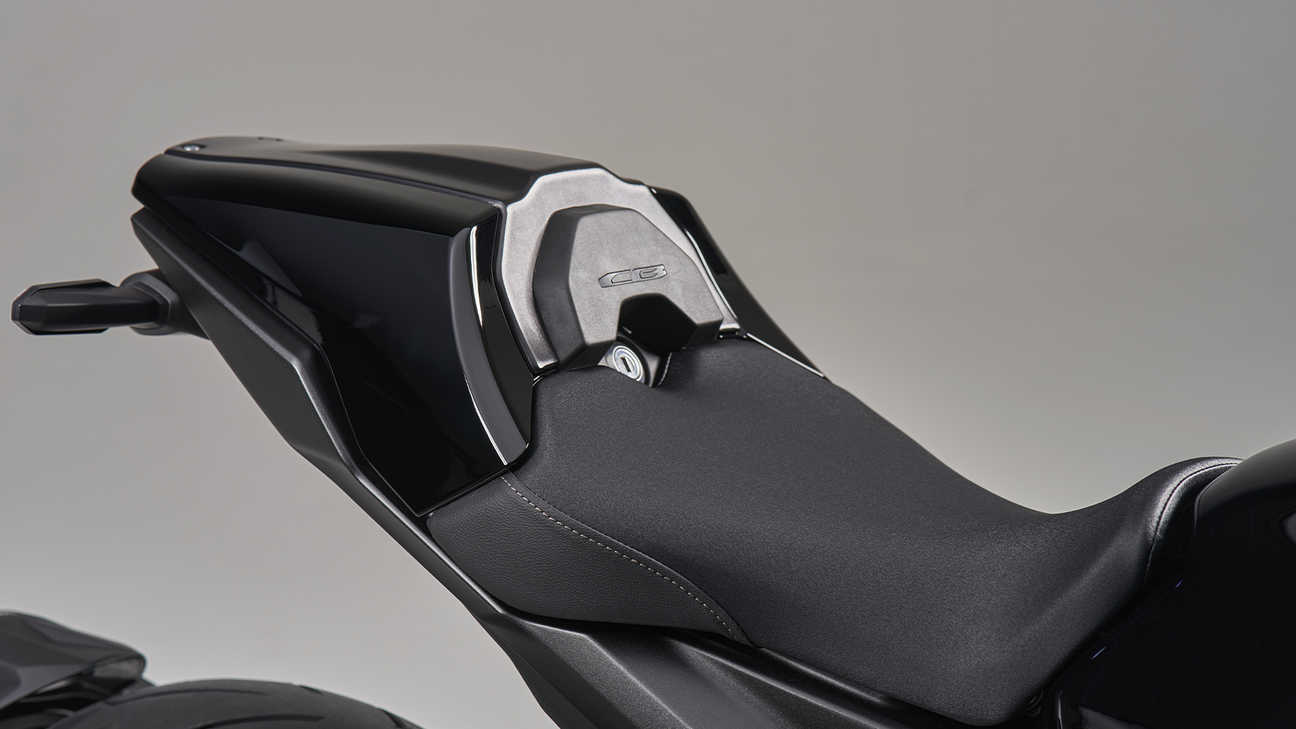 CB1000R Black Edition, Detachable seat cowl