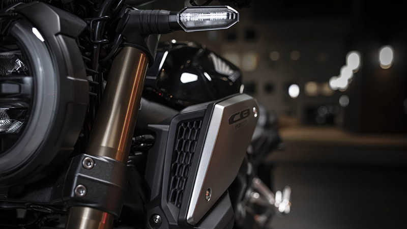 CB650R Neo Sports Café, zoom on dual air intake duct