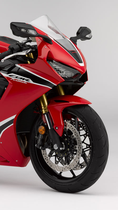 Front three-quarter facing Honda CBR1000RR Fireblade.