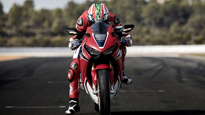 Front facing shot of rider on Honda Fireblade.