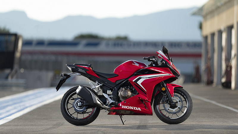 CBR500R, right side, parked on racetrack