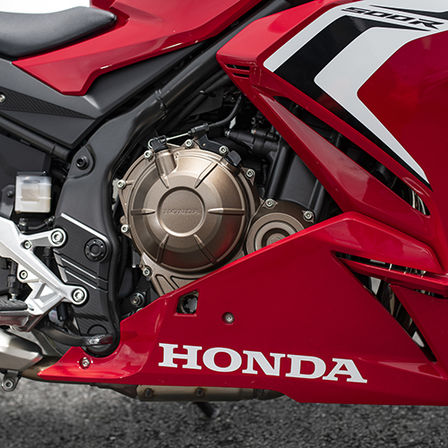 CBR500R, right side, zoom on engine