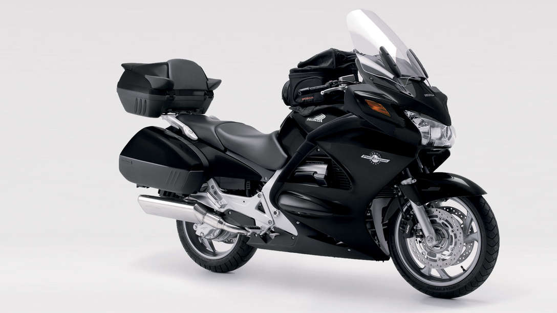 pan european swift luxurious touring motorcycles. Black Bedroom Furniture Sets. Home Design Ideas