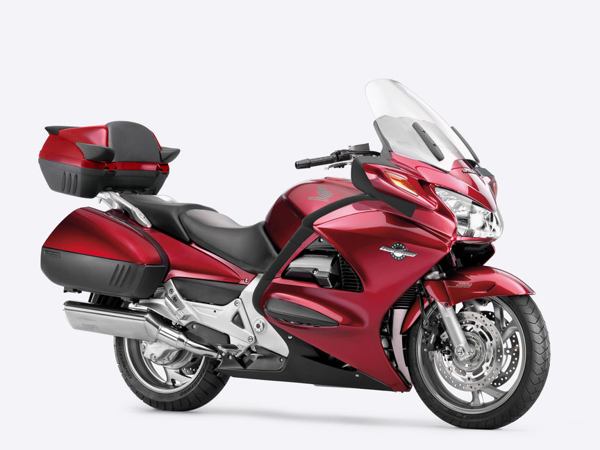 Pan European Accessories | Touring Motorcycles | Honda UK